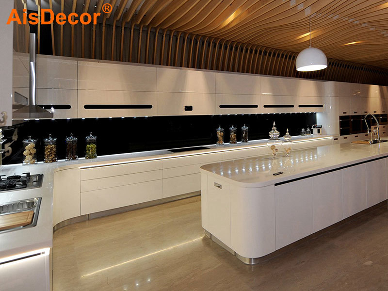 Auto System White Glossy Lacquer Kitchen