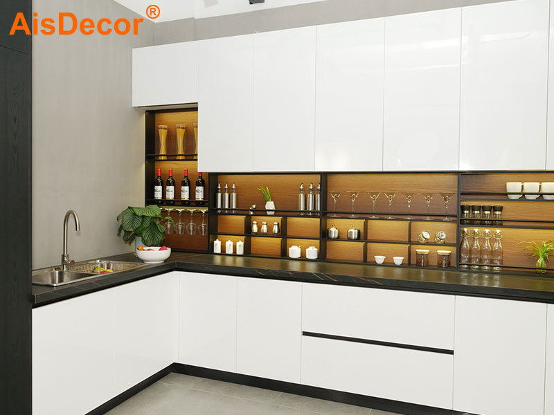 White Glossy Lacquer Sintered Stone Kitchen