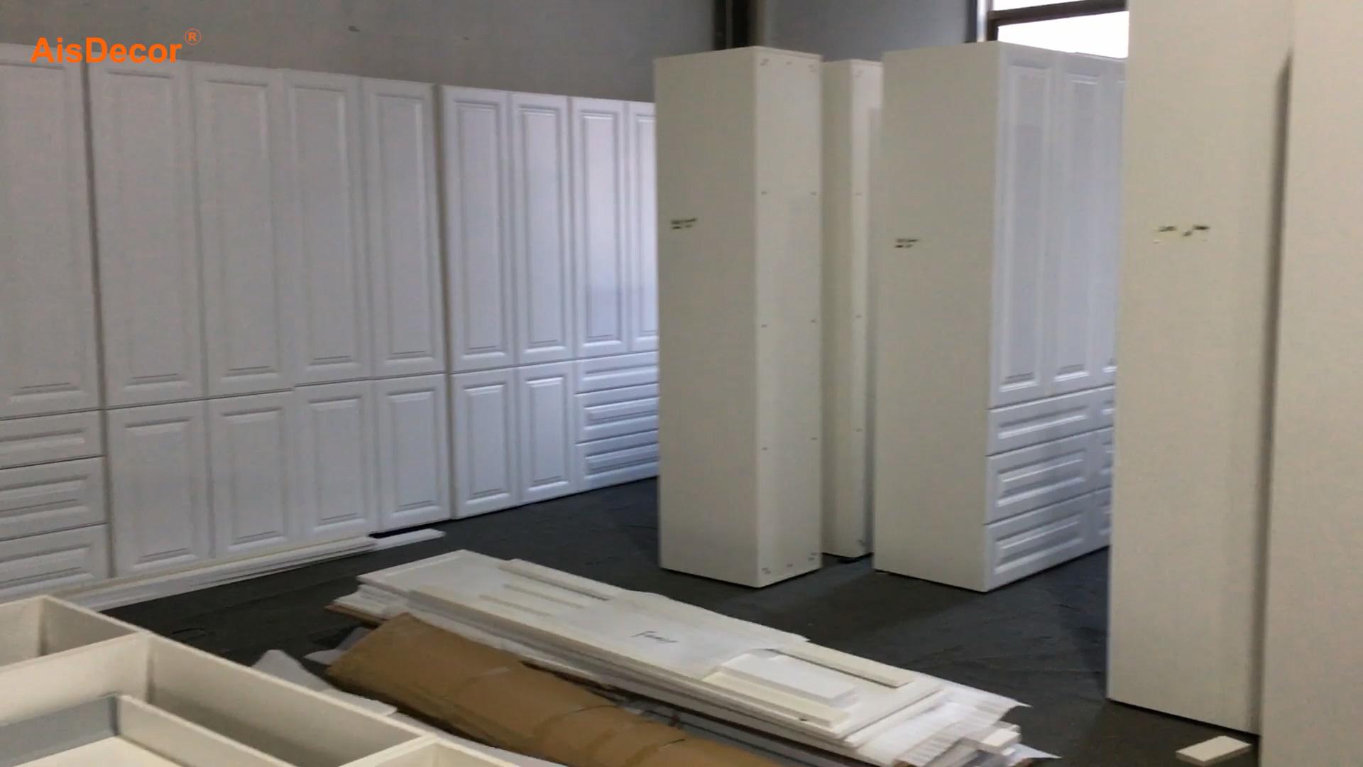 White Painted AU