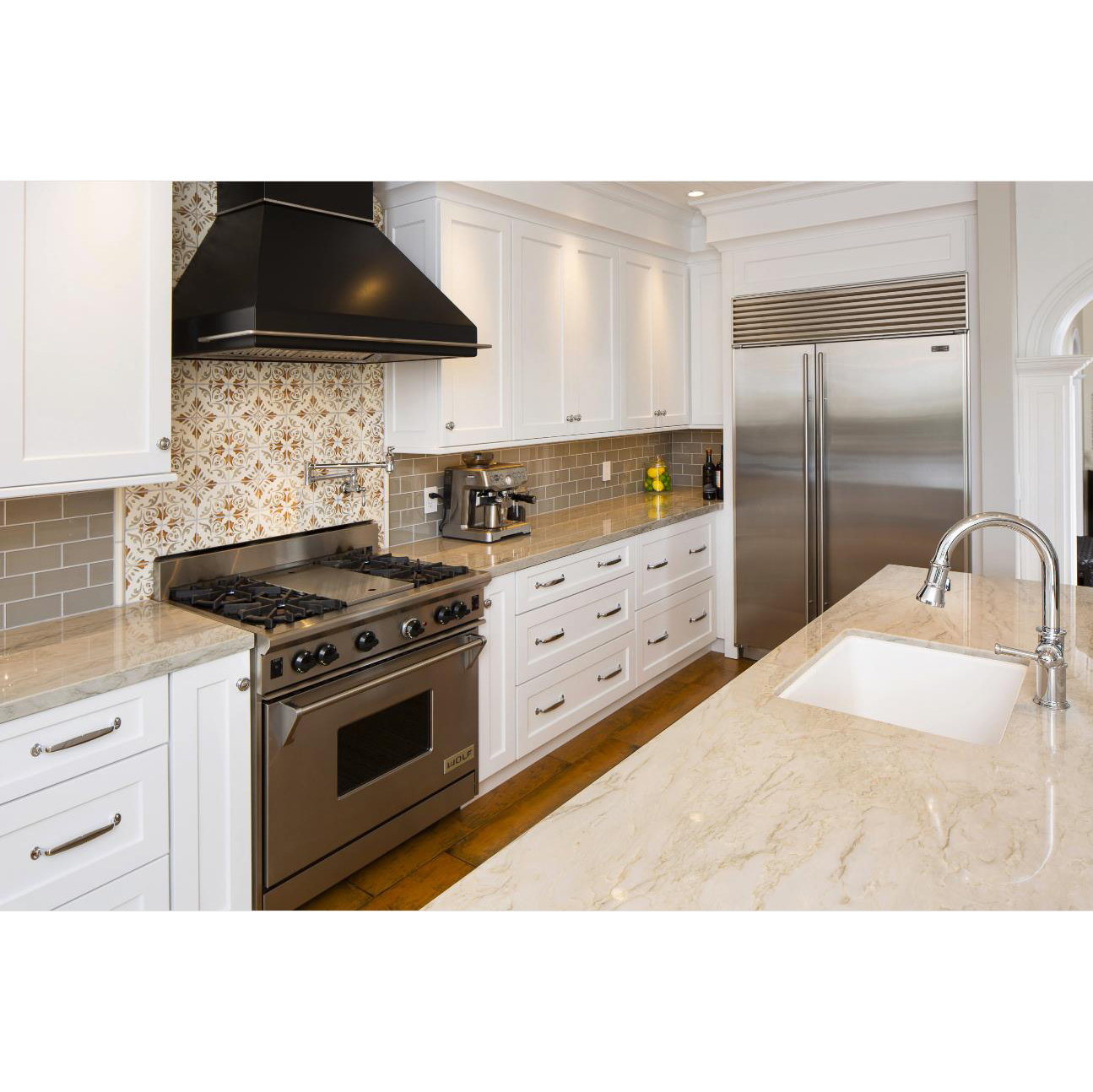 AisDecor white lacquer cabinets from China-1